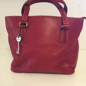 Fossil red tote bag.